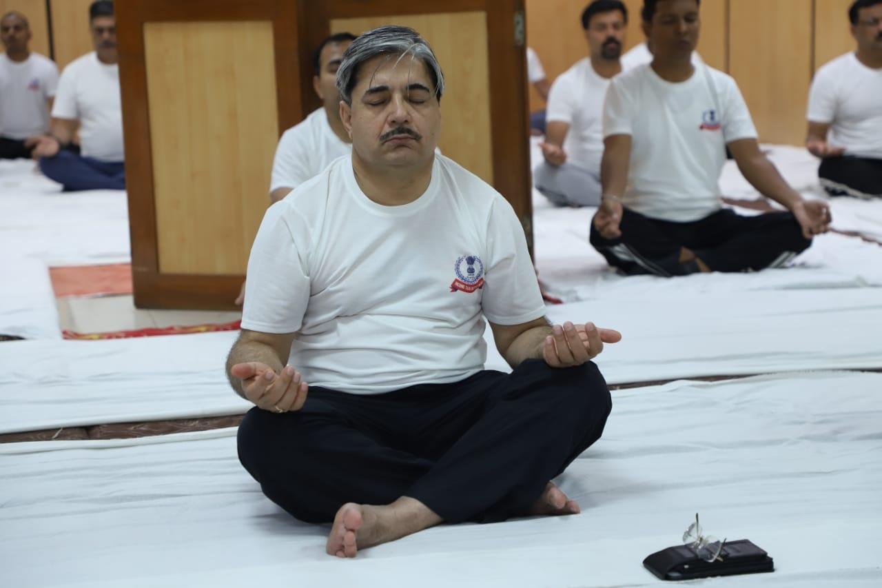 Aayakar bhawan, ashram road - yoga day