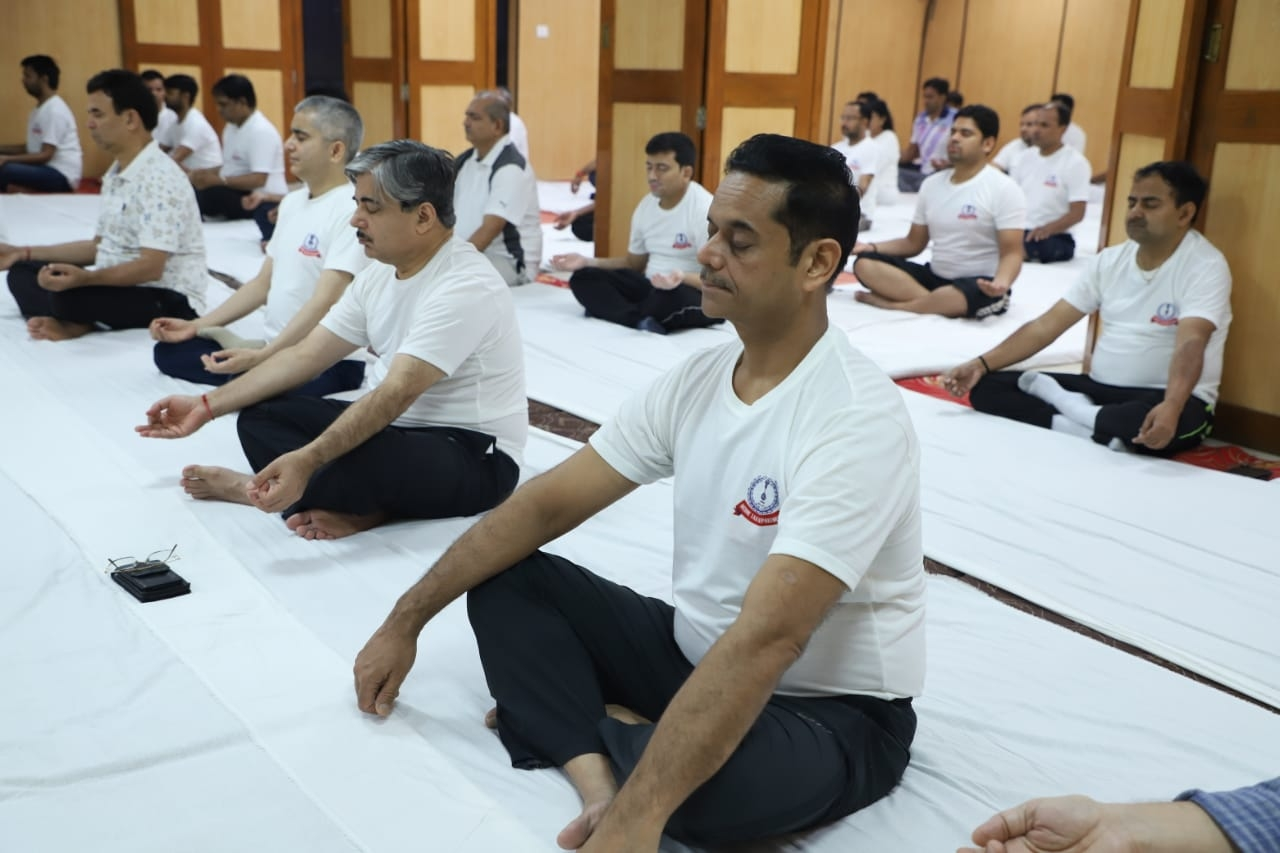 Aayakar bhawan, ashram road - yoga day12