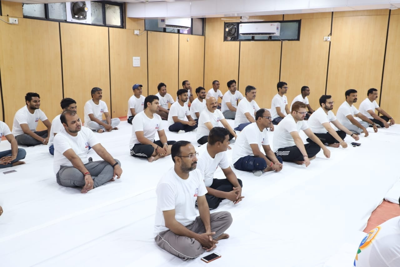 Aayakar bhawan, ashram road - yoga day3