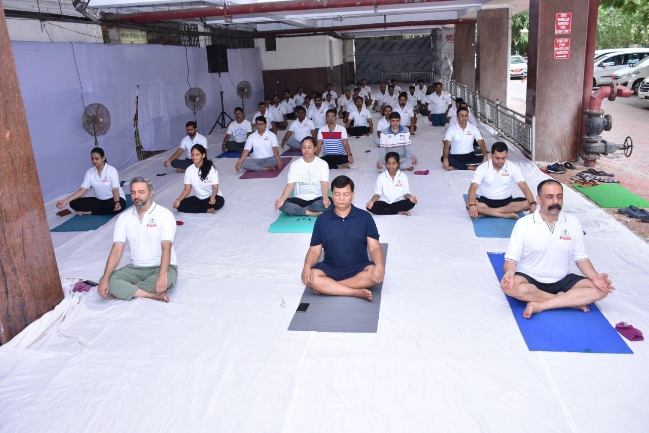 International Yoga day at Aaykar Bhawan Surat4